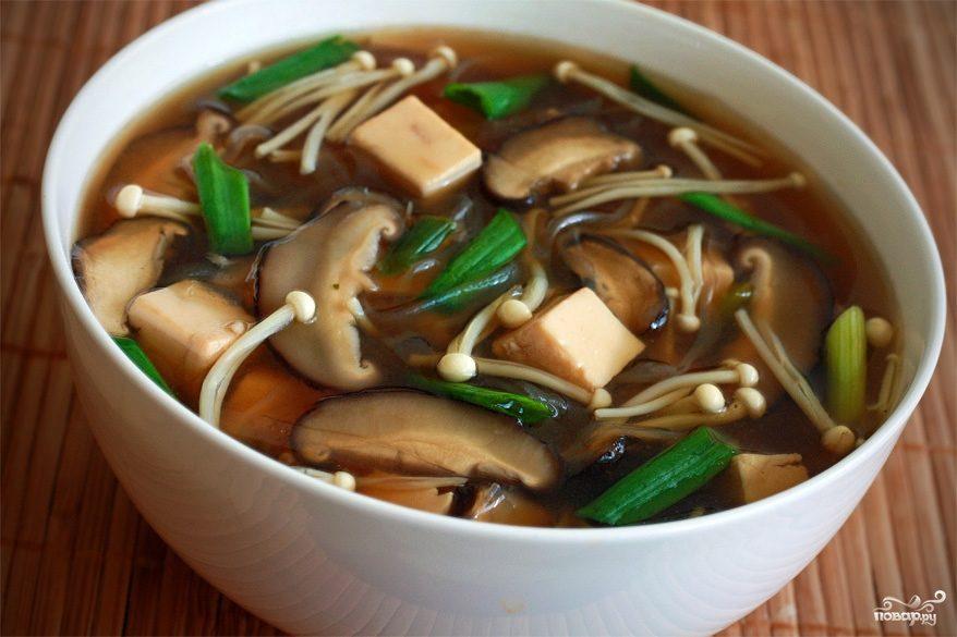 Суп с грибами шиитаке