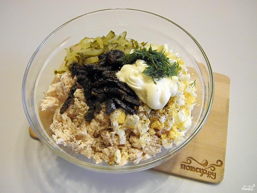 салат из курицы с черносливом и грибами фото рецепт