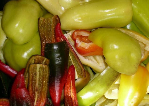 Аджика из томатов - фото шаг 6