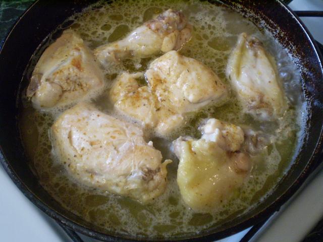 Курица, тушенная кусочками - фото шаг 5