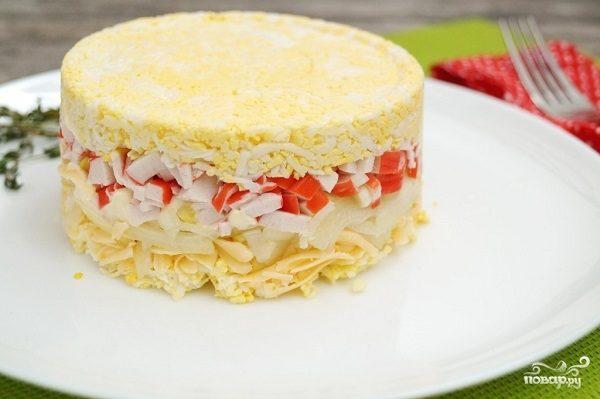 рецепт слоеного салата с крабовыми палочками и рисом