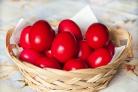 Красные пасхальные яйца