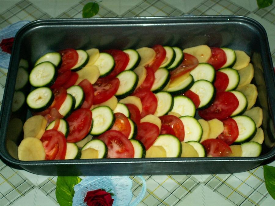 Кабачки с картошкой и помидорами - фото шаг 3
