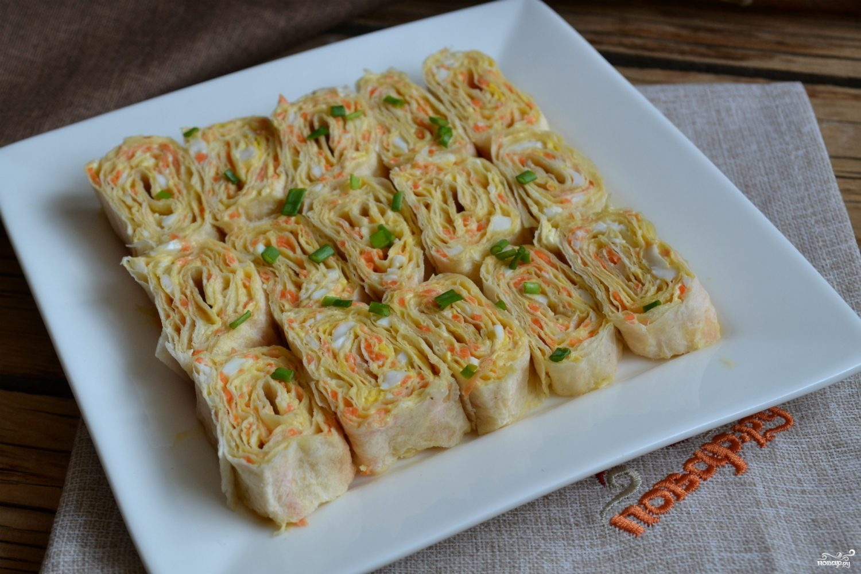 Рулетики из лаваша с корейской морковкой