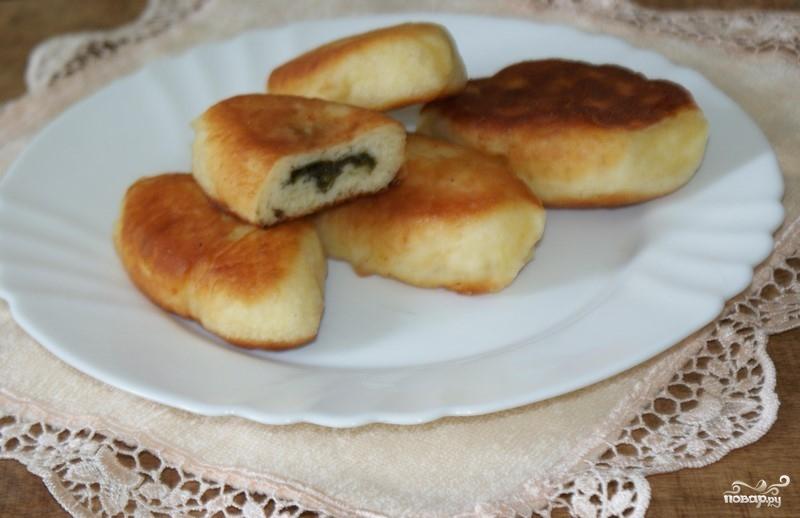 Пирожки с щавелем жареные