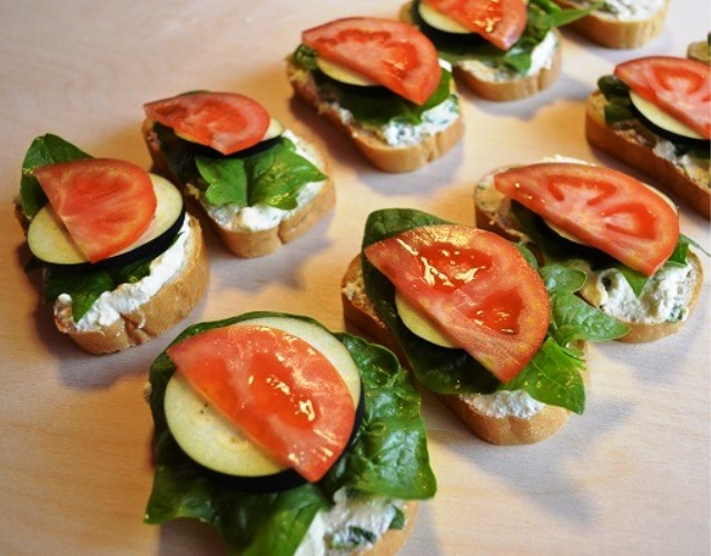 Бутерброды с баклажанами и помидором   - фото шаг 4