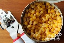 Салат с капустой и кукурузой - фото шаг 3
