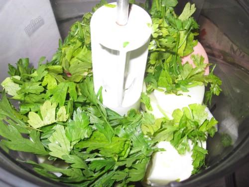 Творог с зеленью и чесноком - фото шаг 6