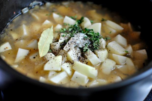 Рыбный суп с гренками - фото шаг 6