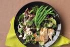 Салат с фасолью, миндалем и вишней