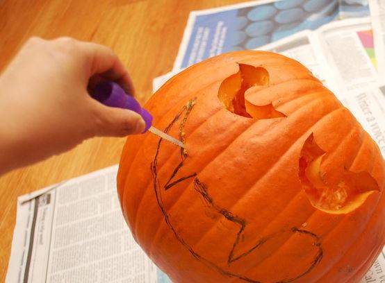 Тыква на Хэллоуин - фото шаг 7