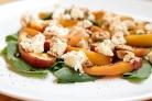 Салат из щавеля и персиков