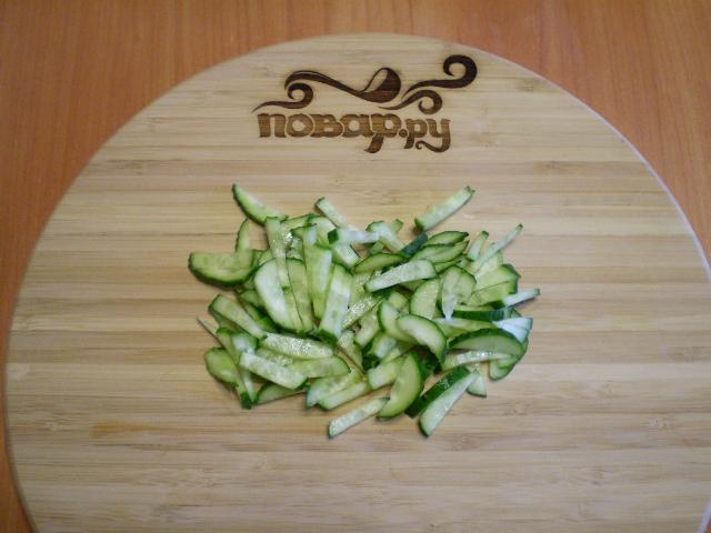 Мясной салат с фасолью - фото шаг 3
