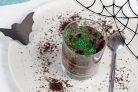Земля с червяками (десерт)