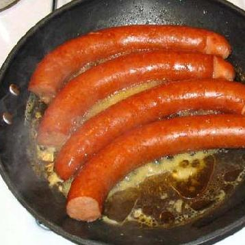 Жареная колбаса с картофелем  - фото шаг 6