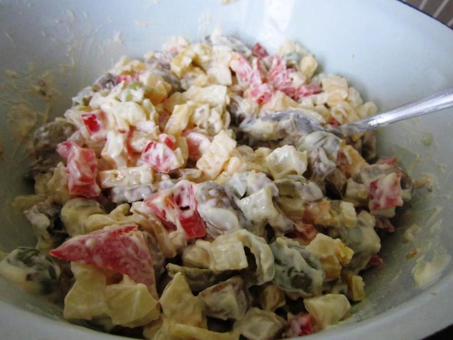 Салат с грибами и оливками - фото шаг 2