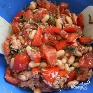 Салат с фасолью и тунцом - фото шаг 4
