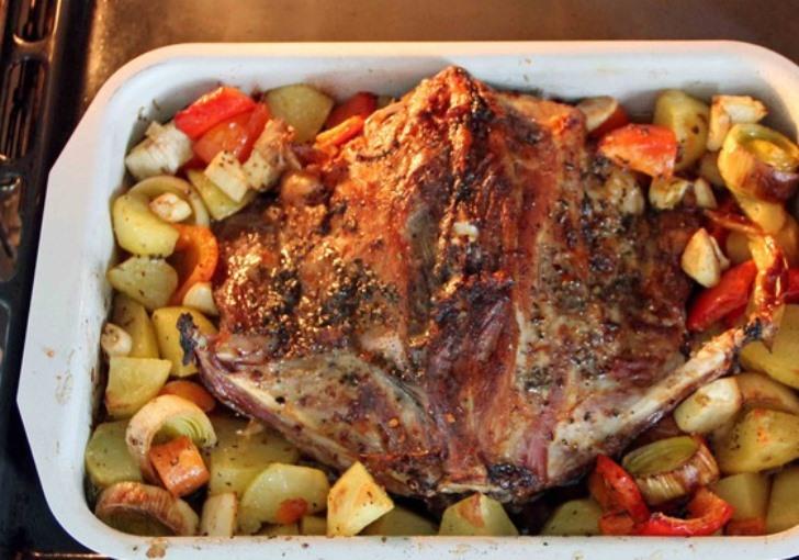 Баранина, жареная с овощами   - фото шаг 7