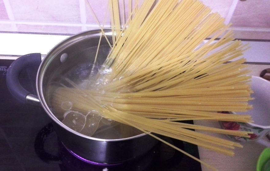 Рецепт Паста с ветчиной и грибами в сливочном соусе