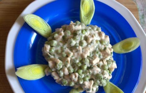 Салат с сыром и горошком - фото шаг 3