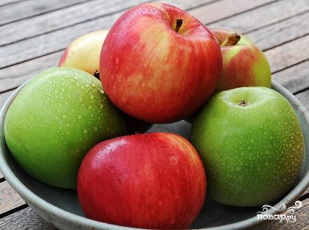 Шарлотка с яблоками без муки