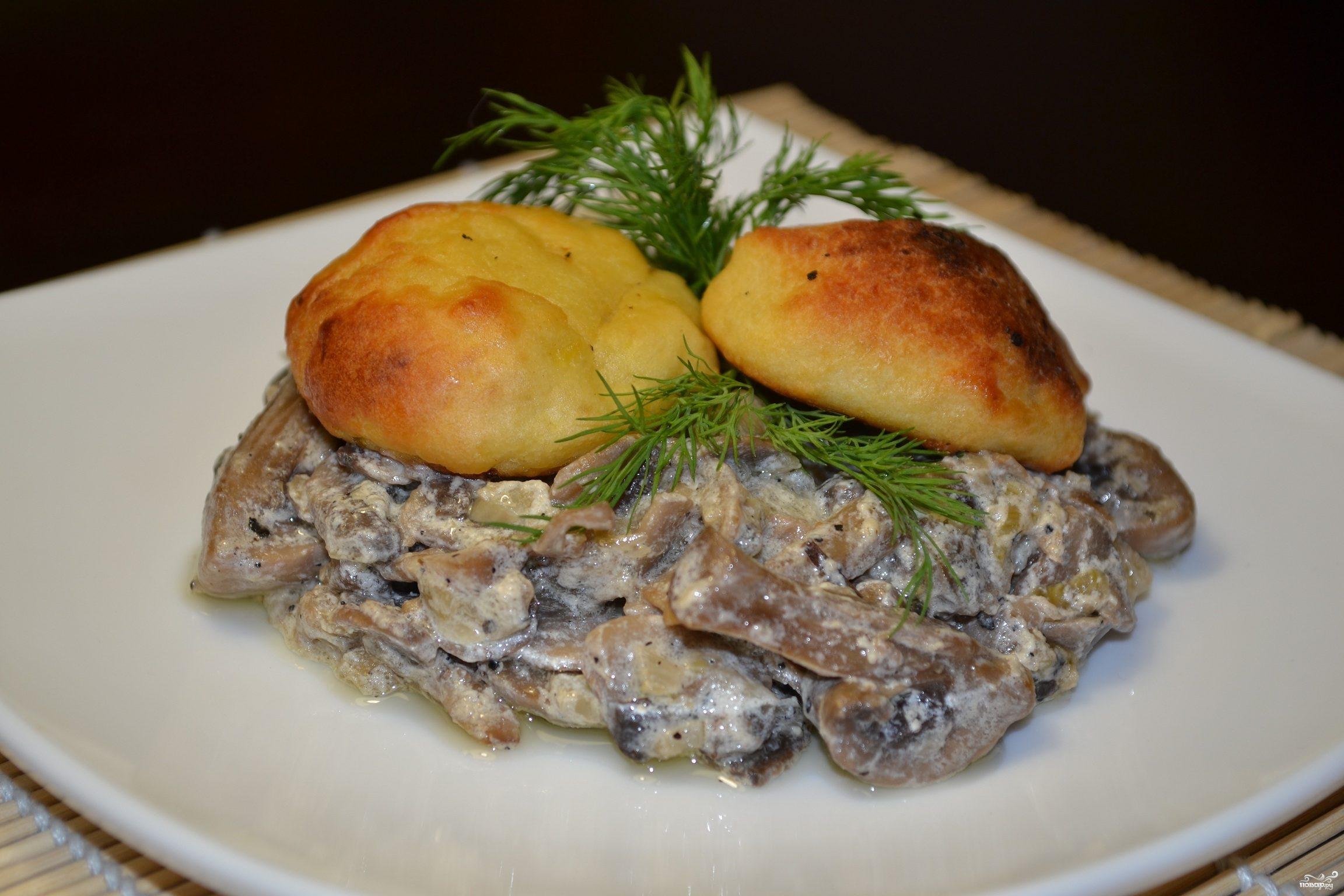 Грибное рагу с картофельными лепешками