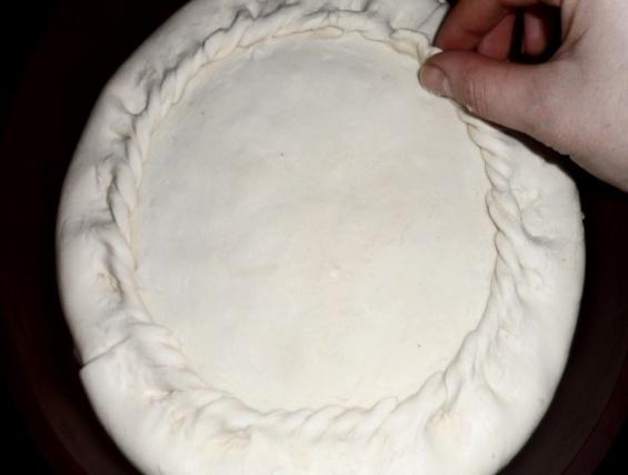 Пирог с горбушей консервированной - фото шаг 12