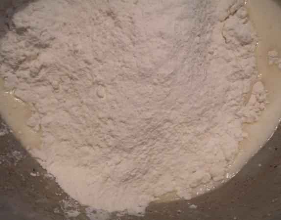Пирог из жидкого теста - фото шаг 4