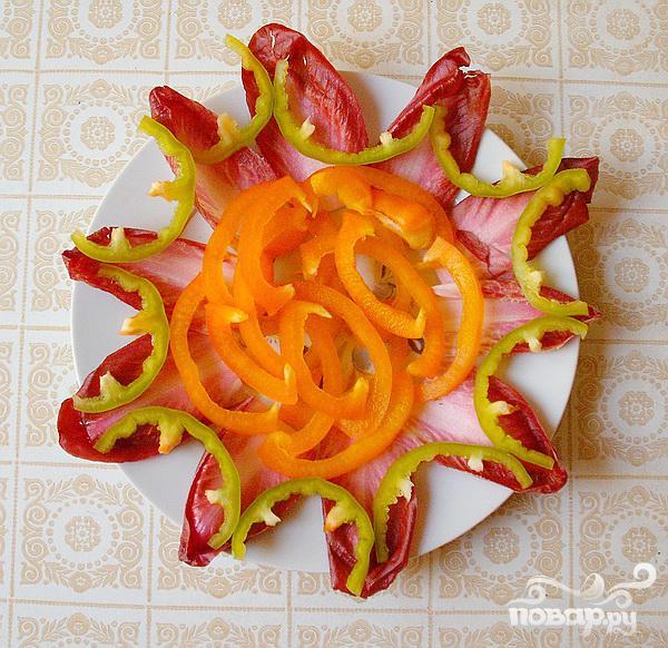 Салат из сердца с копченым сыром и цикорием - фото шаг 5