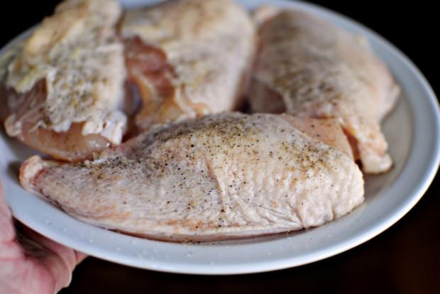 Курица с корочкой на сковороде - фото шаг 2