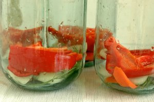Рецепт Засолка помидоров с луком на зиму