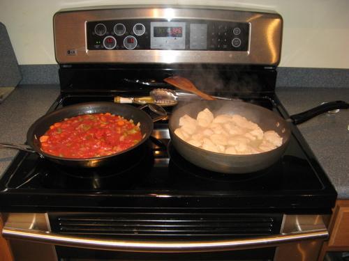 Куриные грудки с томатным соусом - фото шаг 5