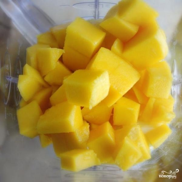 Ананасово-манговый смузи - фото шаг 5