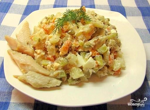 """Салат """"Оливье"""" с рыбой"""