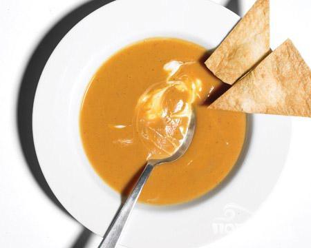 Суп из батата с копченым чили