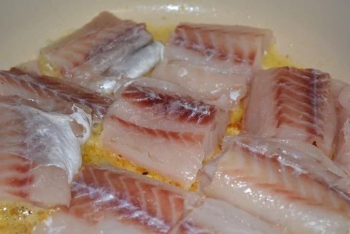 Рыба под молочным соусом - фото шаг 4