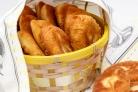 Пирожки с луком и яйцами