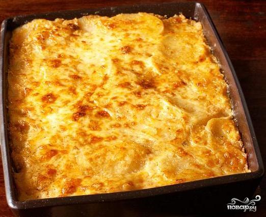Рецепт Картофель запеченный в сметанном соусе