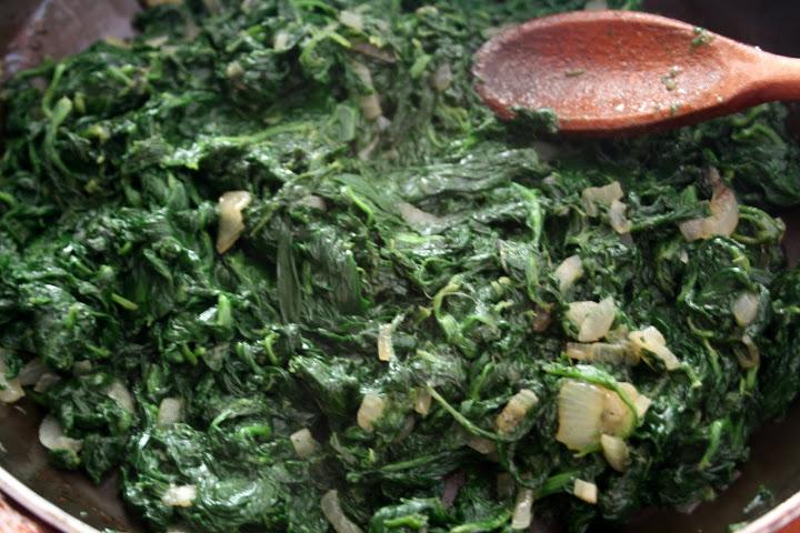 Омлет со шпинатом и сыром - фото шаг 2