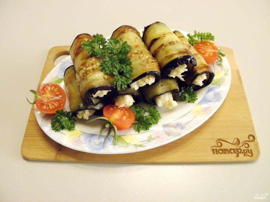 канапе рулетики из баклажанов с сыром и чесноком рецепт с ...