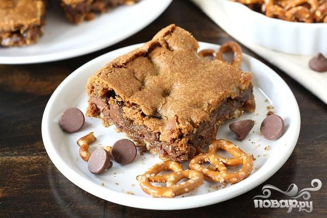 Печенье с шоколадом и соломкой
