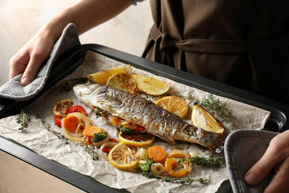 Рыба с овощами на пергаменте