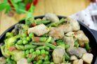 Свинина, тушенная с замороженными овощами