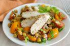 Салат с курицей и запеченным нутом