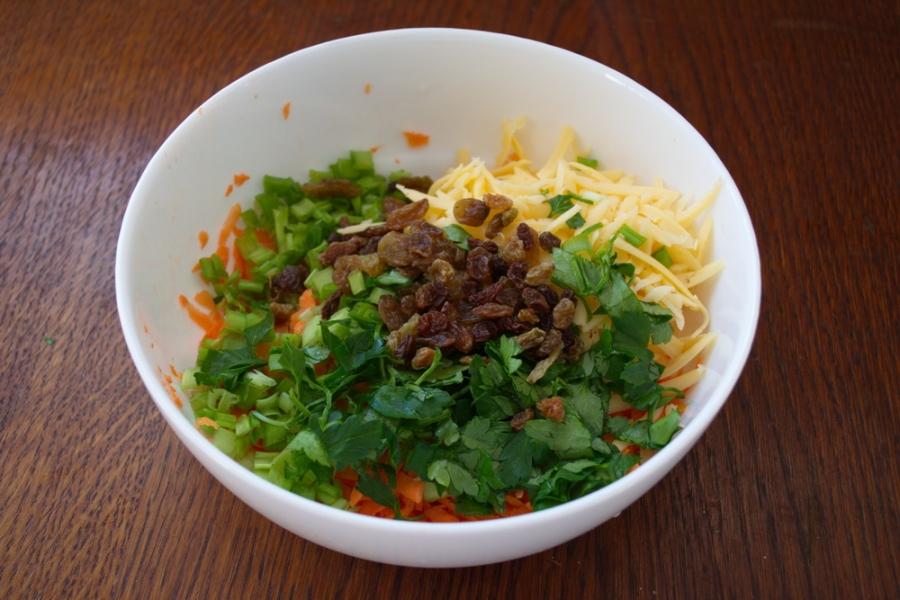 Салат с тертым сыром - фото шаг 4
