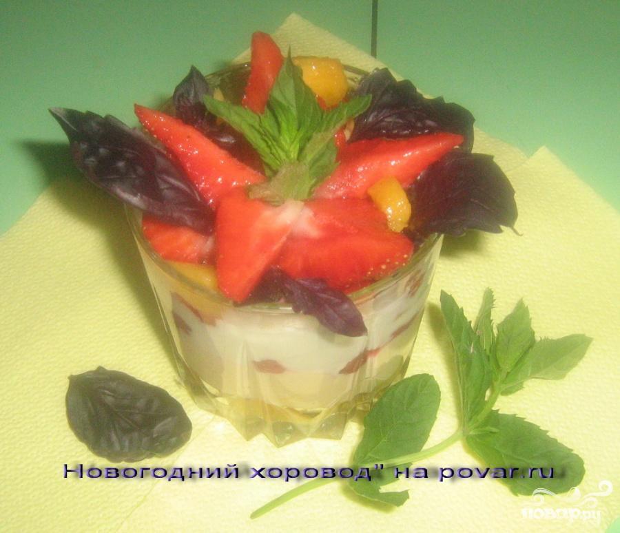 Салат с ананасами и куриной грудкой  рецепт с фото пошагово