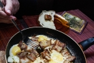 Сало с яйцами