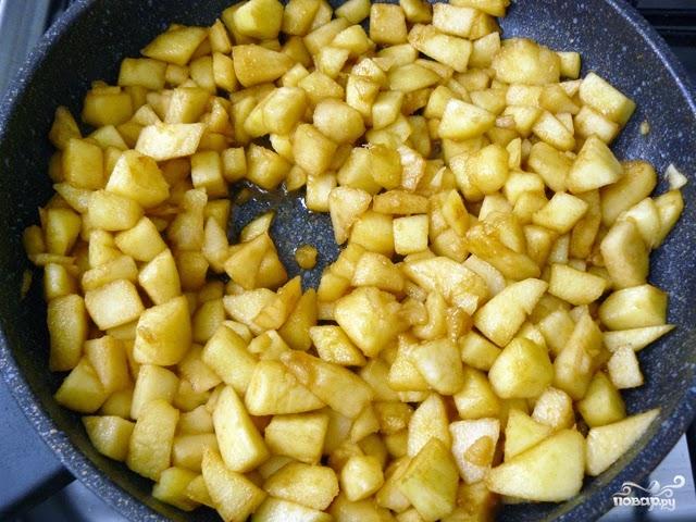 как приготовить яблочный штрудель из готового слоеного теста рецепт с фото