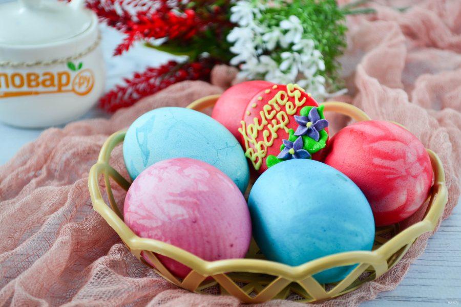 Яйца, крашенные лоскутами