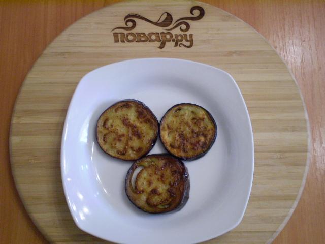 Баклажаны жареные с помидорами и луком - фото шаг 8